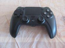 PS4 must juhtmevaba pult